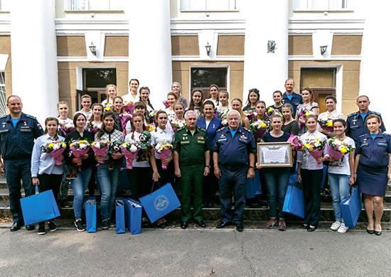 Krasnodar Pilot School anuncia matrícula de meninas 15 no primeiro ano