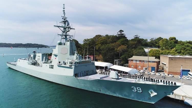 Destruidor DDGH 39 Hobart encomendado na Austrália