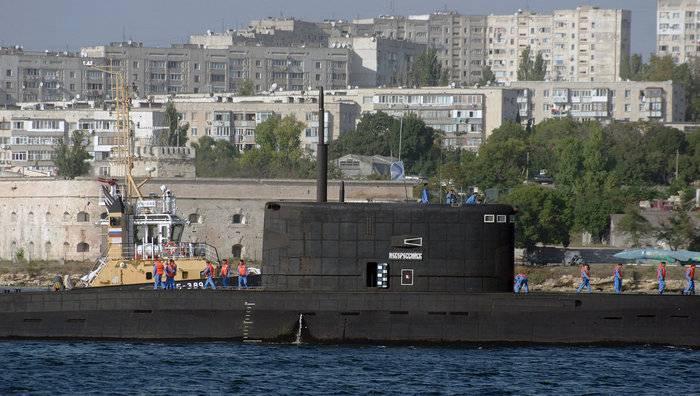 Главком ВМС Украины призвал к защите от российских подлодок