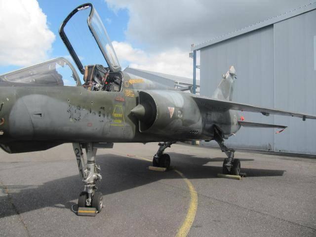 Empresa sul-africana comprou a mais recente aeronave de combate F1 da Força Aérea Francesa
