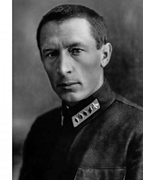 """P.I. Baranov: """"Sé que este es un asunto difícil, pero nuestra flota aérea será la primera en el mundo"""""""