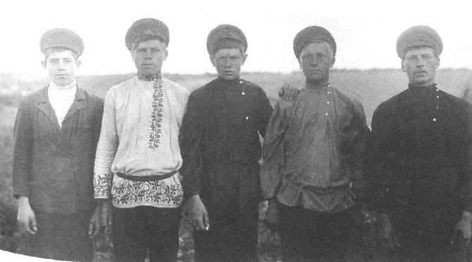 Русская госпожа и бедные ее рабы