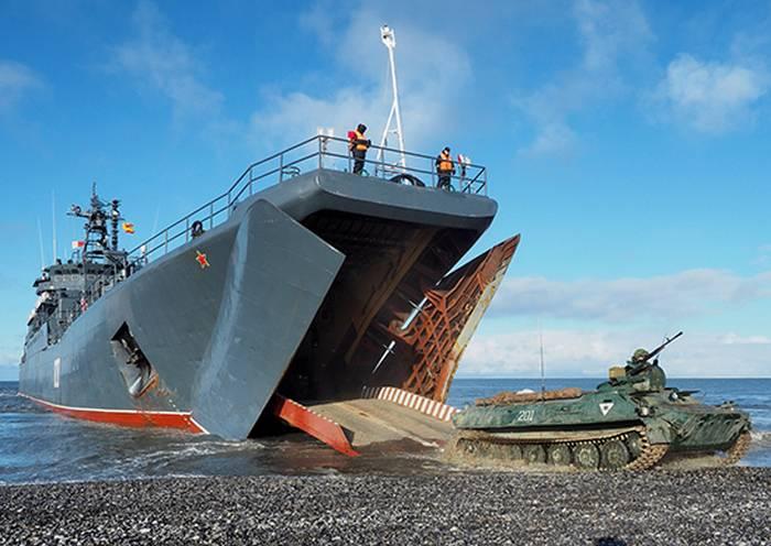 北極の電動歩兵部隊がSevernaya Zemlya群島のGolomyanny島に上陸しました