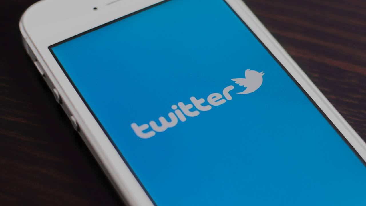 Социальная сеть Twitter закрыл аккаунты из-за «вмешательства России» ввыборы вСША