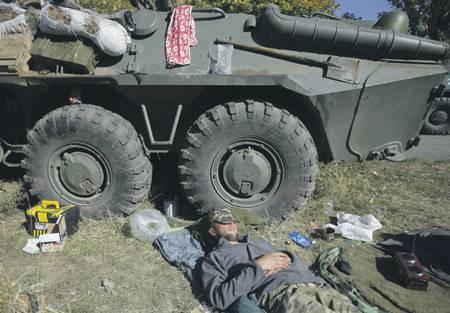 キエフは、国連の任務の助けを借りてクリミアとドンバスを返すように努めています