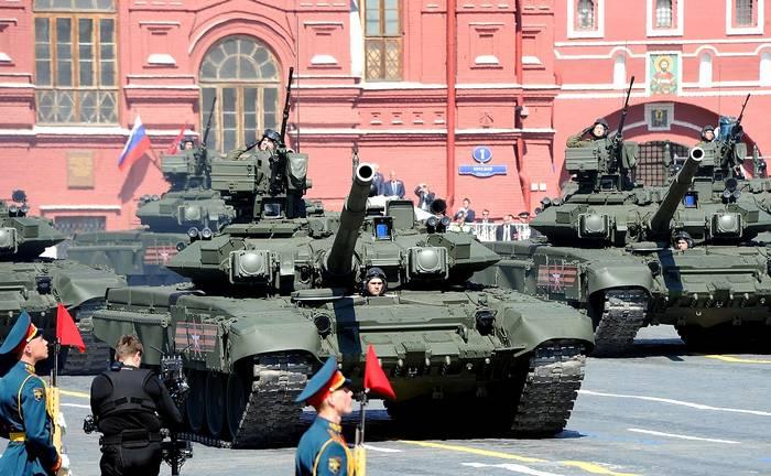 Опрос: почти 90% россиян уверены в обороноспособности страны