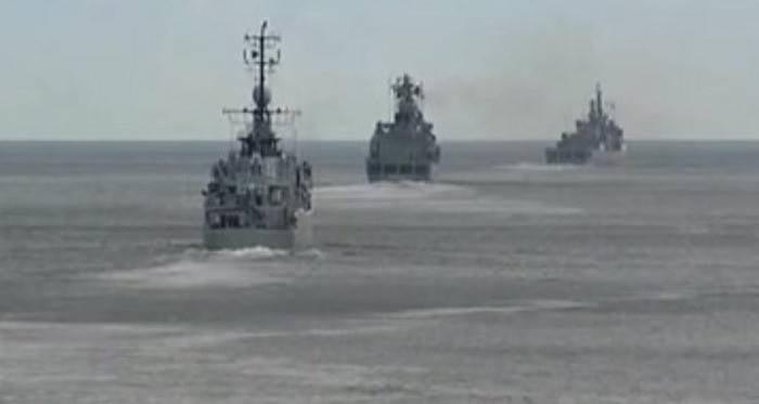 黒海艦隊で演習を開始しました