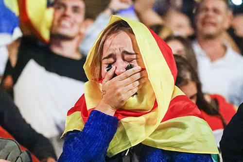 C'est l'eurodémocratie. Un millier de personnes ont été blessées en Catalogne