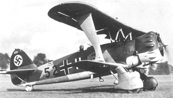Armée rouge de l'armée de l'air contre la Luftwaffe. Stormtroopers