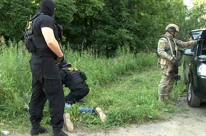 ФСБ задержала двух нарушителей госграницы в Брянской области