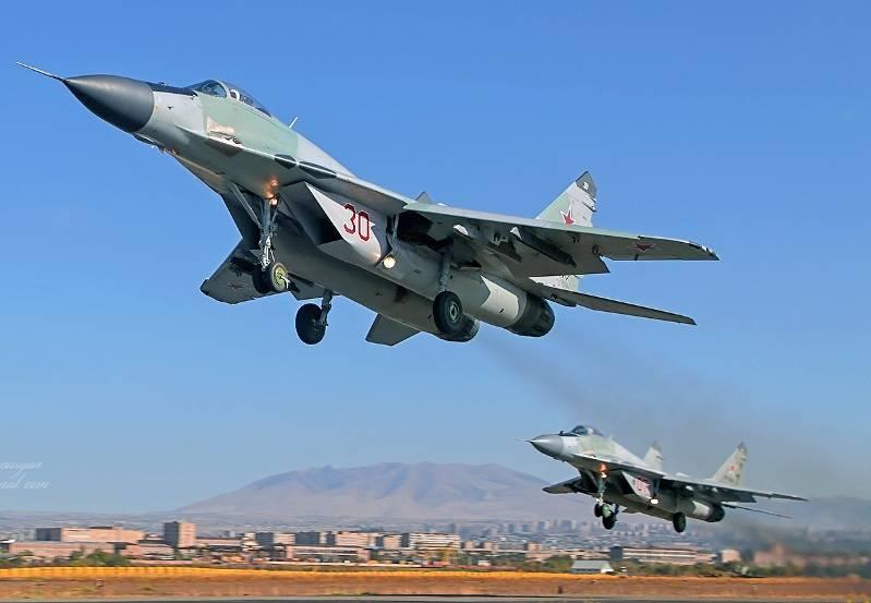 6 MiGs russos entregues à Sérvia