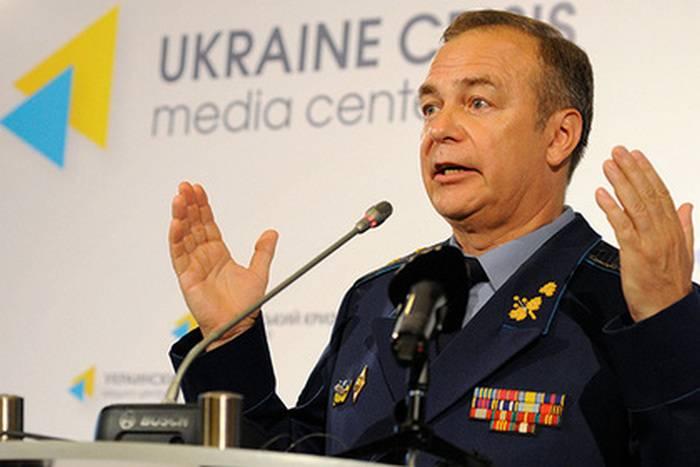 ウクライナの将軍は、クリミアへの「回廊」のロシアの発作の条件を呼びました