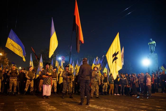 Yarosh: controle sobre o Donbas de volta rapidamente