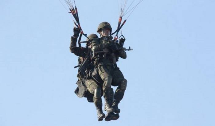Special Forces of the DPRK worked attack using paragliders
