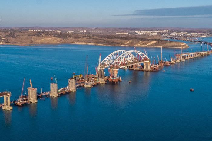 क्रिमियन ब्रिज आर्च की स्थापना समय से पहले पूरी हुई