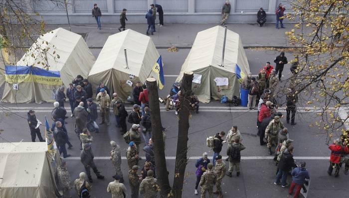 Poroshenko e Avakov fizeram um escândalo por causa das tendas no Rada