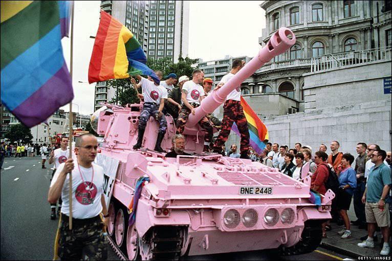 В германской армии появился 1-ый офицер-трансгендер