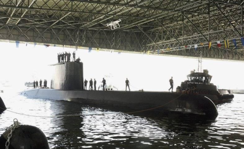 エジプトでは、潜水艦のための地域で最大のカバーボートハウスを建てた