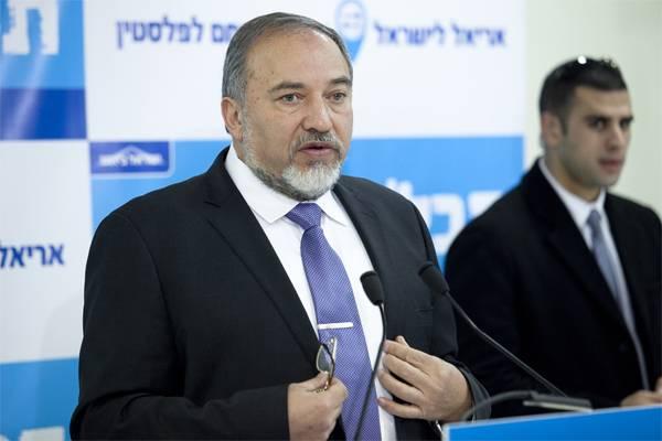 "A. Lieberman은 최근 이스라엘의 Bashar al-Assad로부터의 포격에 대한 ""책임""을 제거했다."