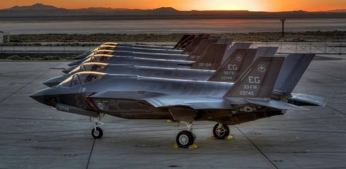 美国将把F-12A X-NUMX战斗机送到日本的空军基地