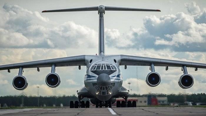 """Veinte aviones IL-76 trabajaron en la """"entrada afgana"""" en el aeropuerto de Ulyanovsk"""