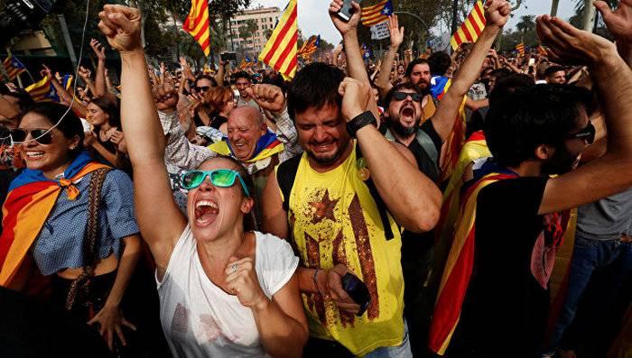 西班牙当局决定解散加泰罗尼亚议会