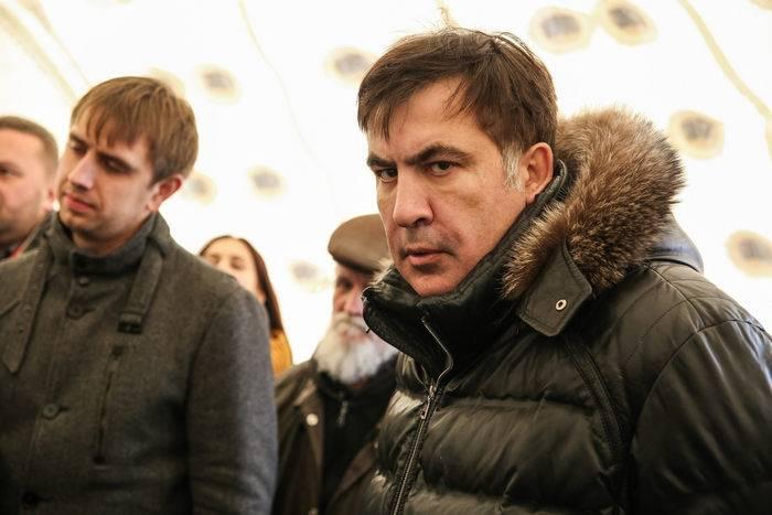 Saakashvili는 새로운 veche를 모은다