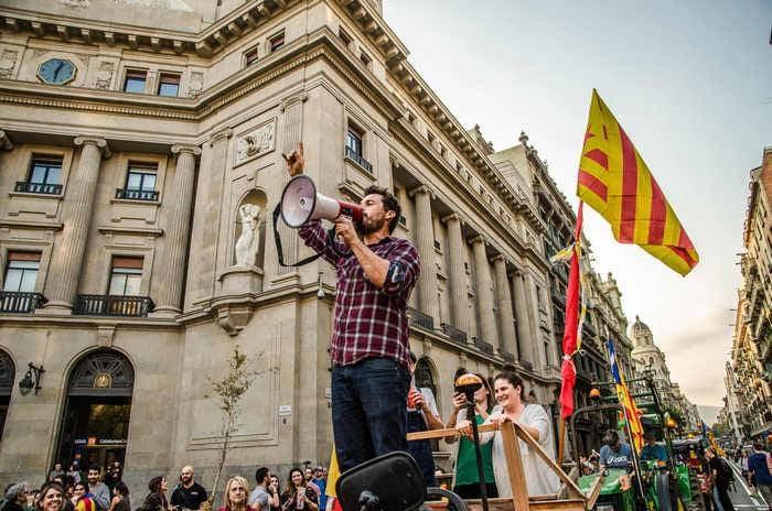 Katalan hükümeti iktidardan kaldırılmasını tanımayı reddetti
