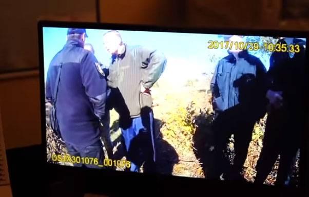 우크라이나 공군 : 오데사 인근 학교 비행장은 balaclava에서 사람들을 체포하려했습니다.