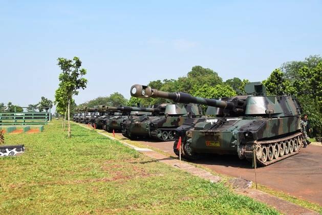 Bélgica suministró los obuses autopropulsados 155-mm de Indonesia.