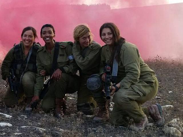 以色列国防军首先开始训练女坦克船员