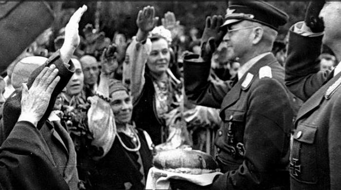 À Kiev, a refusé d'envisager la délivrance des nazis lors de la libération de l'Ukraine par 1944-m