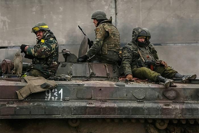 डोनबास में उन्होंने यूक्रेनी ब्रिगेड के पीछे भेजा जो लड़ने से इनकार कर दिया