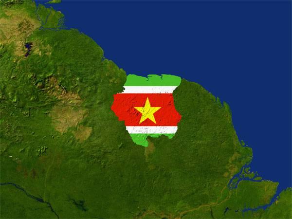 スリナムはコソボの独立を認めるという決定を取り下げた
