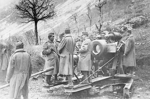 La défaite de l'armée italienne à la bataille de Caporetto. H. 2