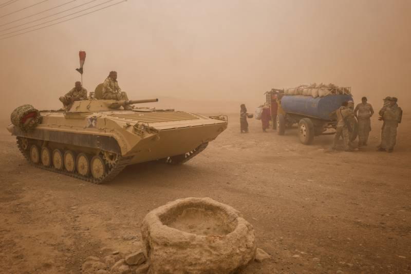 Песчаная буря мешает завершить операцию против боевиков на ирако-сирийской границе