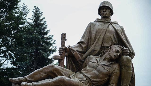 Avrupa'daki Sovyet askerlerinin mezarlarının saygısızlığı vakalarının sayısı azaldı