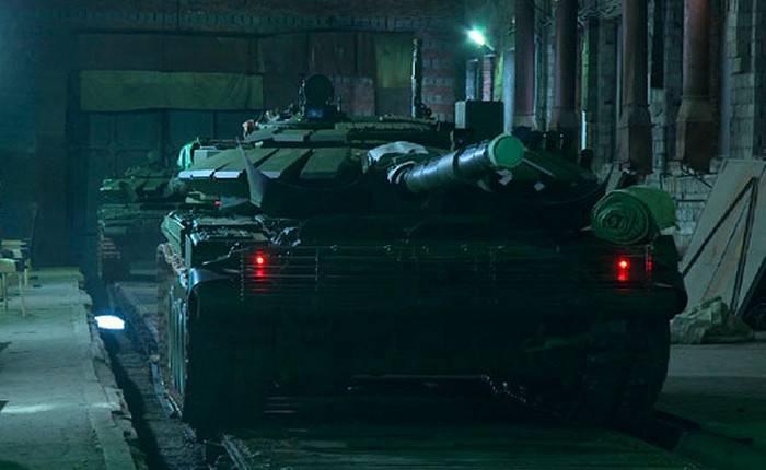 Uralvagonzavod übergab eine Charge T-72B3-Panzer an die Truppen