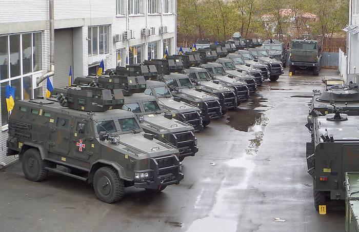 """ВСУ получили первую партию бронемашин """"Козак-2"""""""