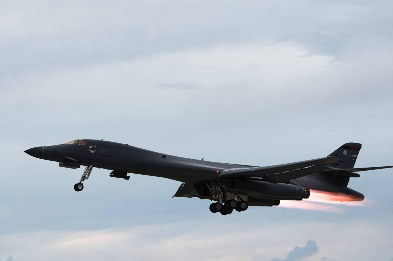 Бомбардировщики США пролетели над Корейским полуостровом