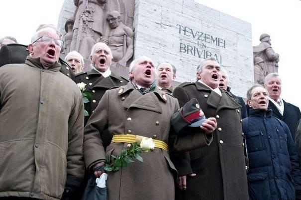 Бывших подопечных Гиммлера уважают в Латвии и сегодня