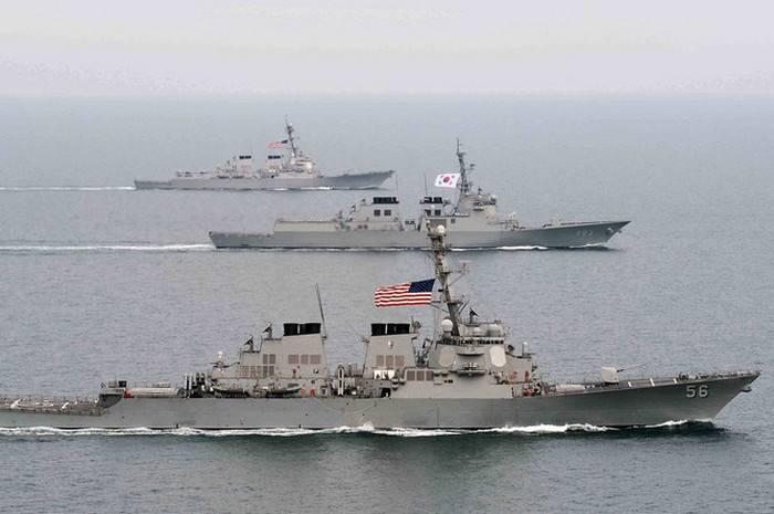 Estados Unidos, Coréia do Sul e Austrália lançaram exercícios navais conjuntos