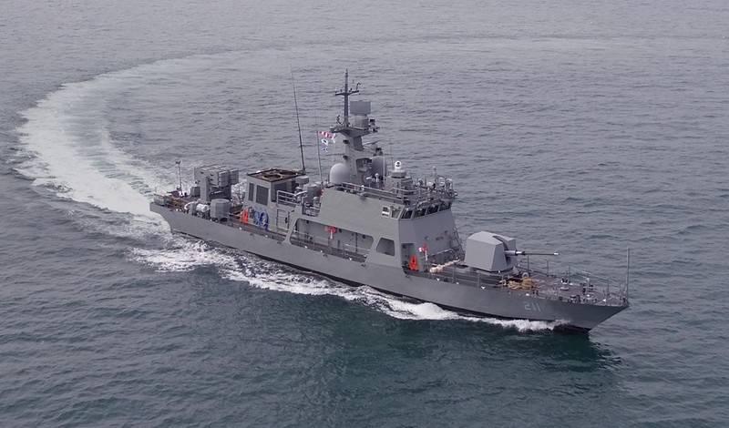 कोरिया गणराज्य की नौसेना को अग्रणी मिसाइल-आर्टिलरी नाव प्राप्त हुई