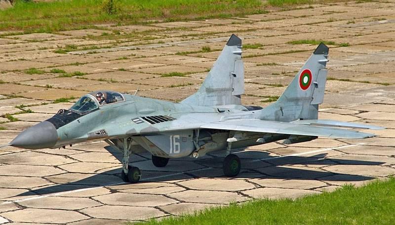 A paixão pela Força Aérea da Bulgária MiG-29 aumentou até o limite
