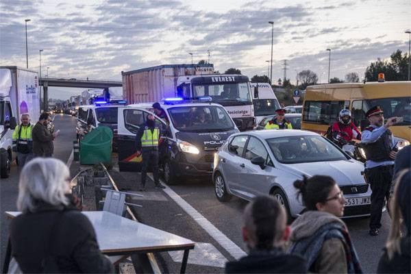 La huelga más grande de la historia reciente comenzó en Cataluña.