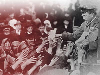 O luxo da guerra e o trabalho da revolução
