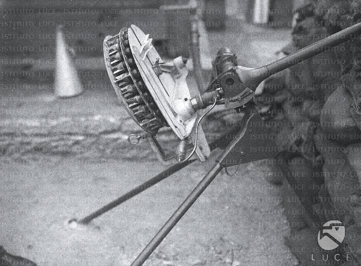 वायवीय ग्रेनेड लांचर गिरफ्तार। 1930 (इटली)