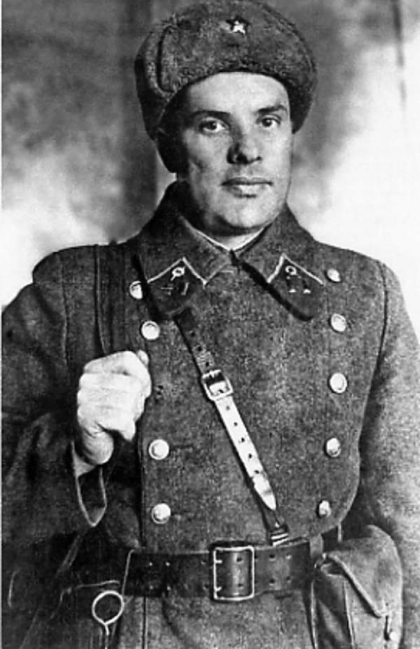 Командир рабочего полка