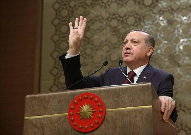 Erdogan: Rússia e os Estados Unidos devem retirar suas tropas da Síria