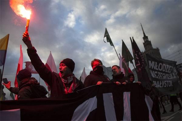 От Варшавы потребовали обуздать польских радикалов